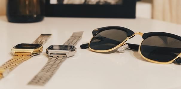 時計とサングラス